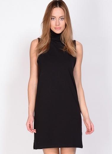 Adpt Boğazlı Kısa Elbise Siyah
